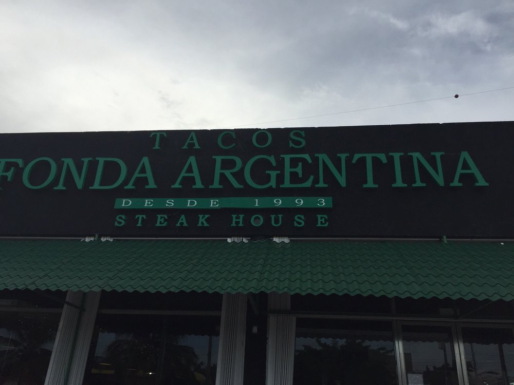 La Fonda Argentina Bar and Restaurant - Playa del Carmen ENJOY
